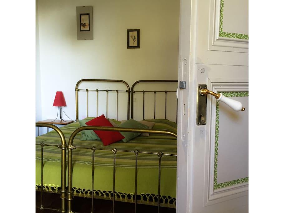 Domaine de puytirel charmille chambres d 39 h tes louer for Chambre d hotes champagne