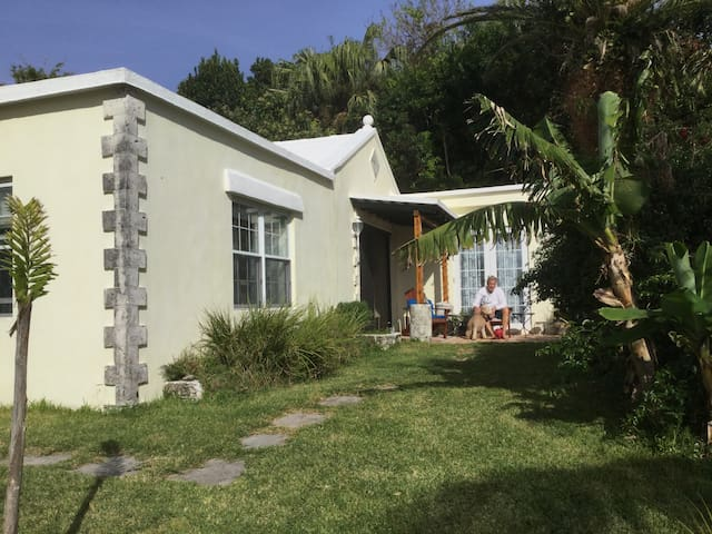 Richmont's Stand Alone Cottage in Tropical Setting