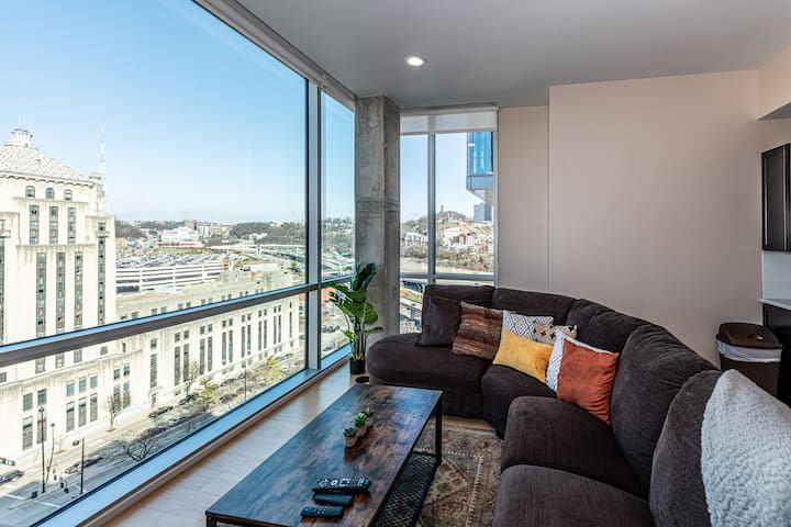 ⭐️⭐️⭐️⭐️⭐️1BD/1BA Luxury Suite w/ Downtown View