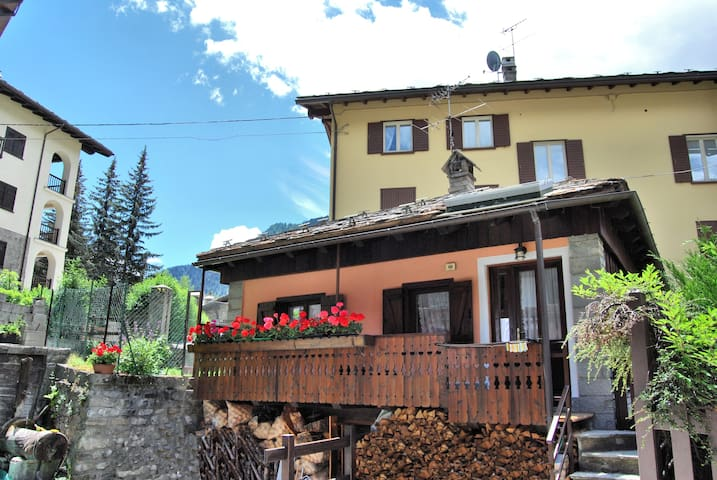 Chalet Tzeraley, great value home in Courmayeur