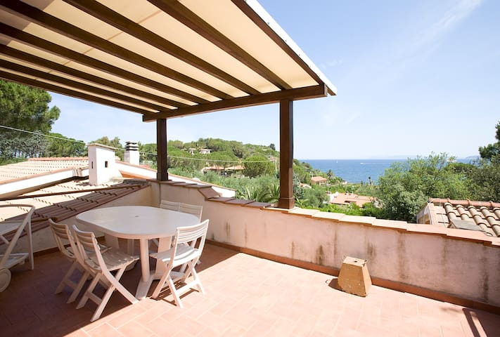 Wonderful Villetta overlooking sea - Portoferraio