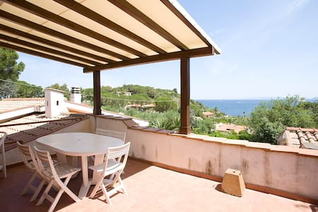 Wonderful Villetta overlooking sea - Portoferraio - Hus
