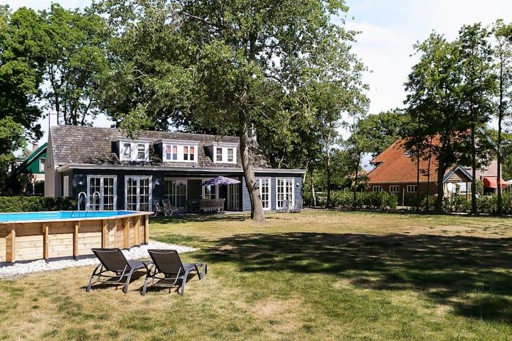 """Villas Domburg """"Het Duinhuis"""""""