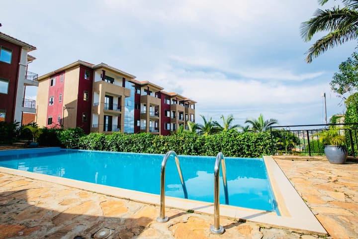 De-Luxe Garden View Apartment 301