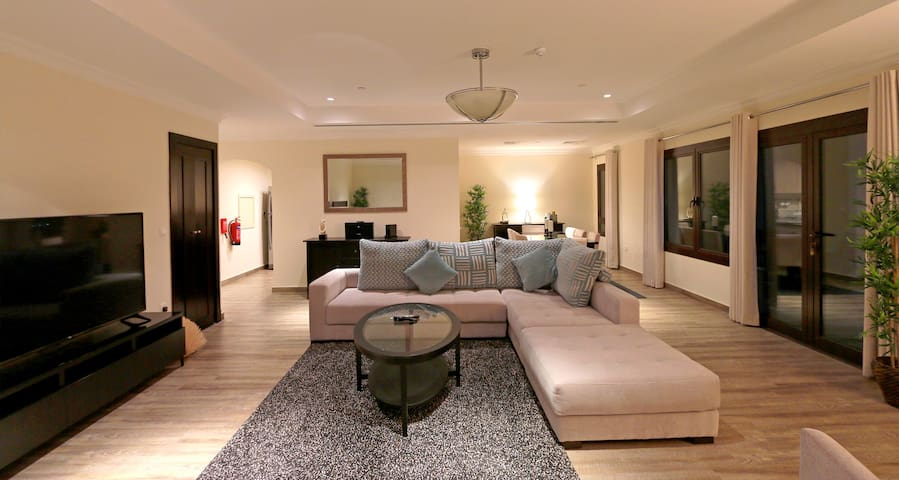 Luxury Premium 2 Bedroom Furnished Apartment-Pearl