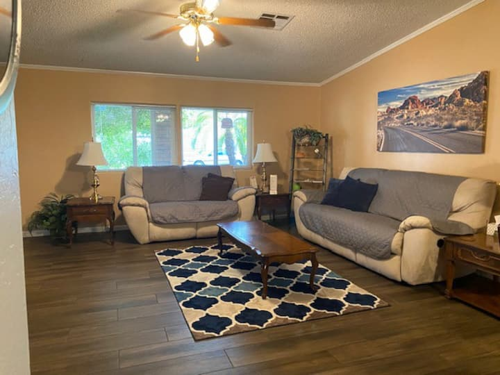 Cozy Foothills Home/Gym/Patio/Bar/Boat Parking