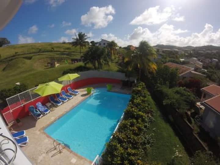 Villa  avec magnifique vue mer et grande piscine