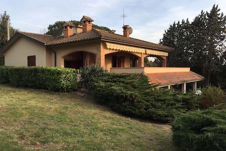 Casa intera Villa Gori - Pisa - Villa