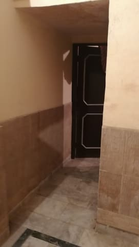 Very cheap, Independent flat at Delhi/ NCR