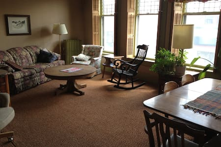 Charming apartment downtown Laramie - Laramie - Wohnung