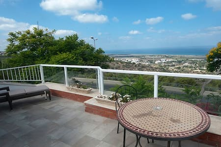 Boutique apartment - seaview - Haifa