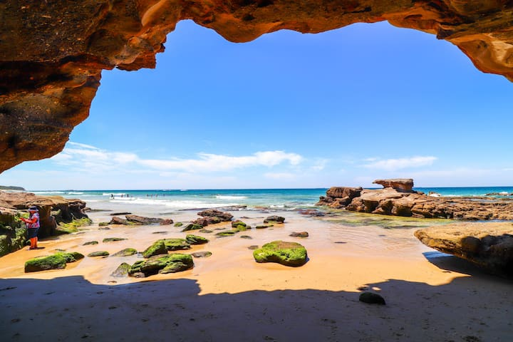 Guidebook for Caves Beach