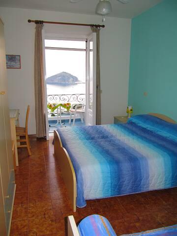 Casa Antonio: stanza con vista mare - Barano D'ischia - Bed & Breakfast