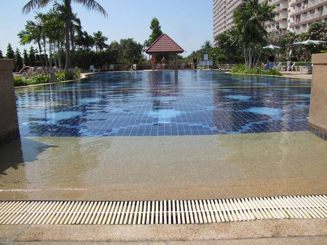 2-bedrooms,Pattaya,Jomtien,1st Line,high floor. - TH - Appartement