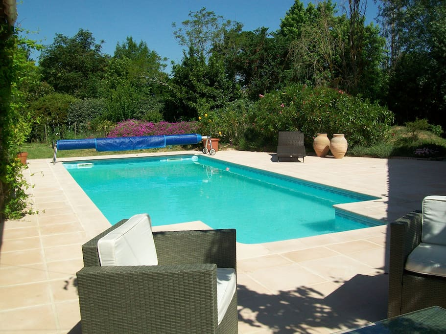 Beautiful house for quiet holidays houses for rent in for Alarme piscine sensor