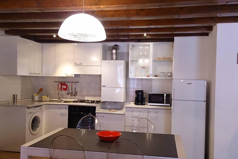 Ca'Laguna - Canal View Apartment - Appartamenti in affitto a Venezia