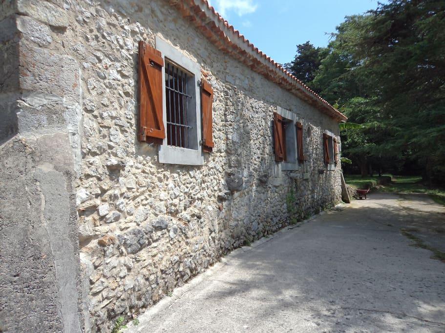 lateral de la casa