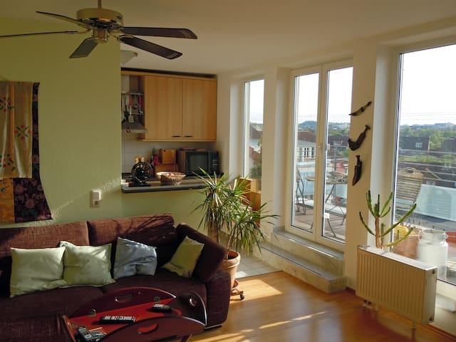 Ruhe hoch über den Dächern - Hürth - Apartment