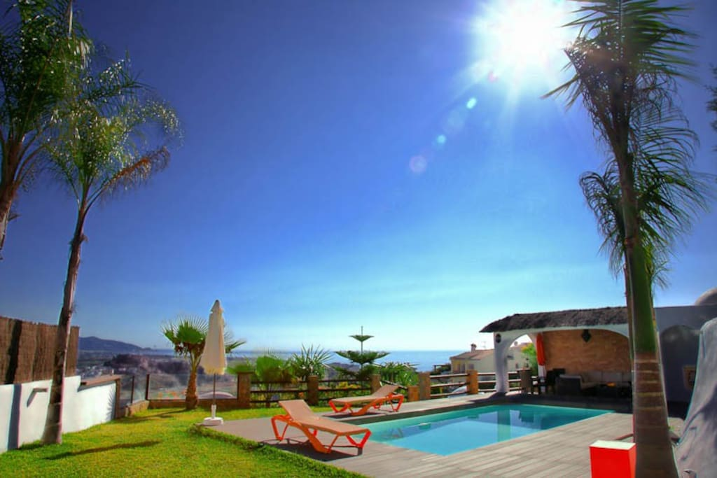 villa paraiso con piscina y spa salobre a