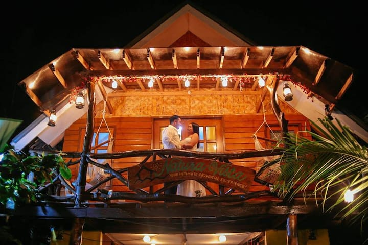 Exotic AC Hut + Private Dinner by the Beach
