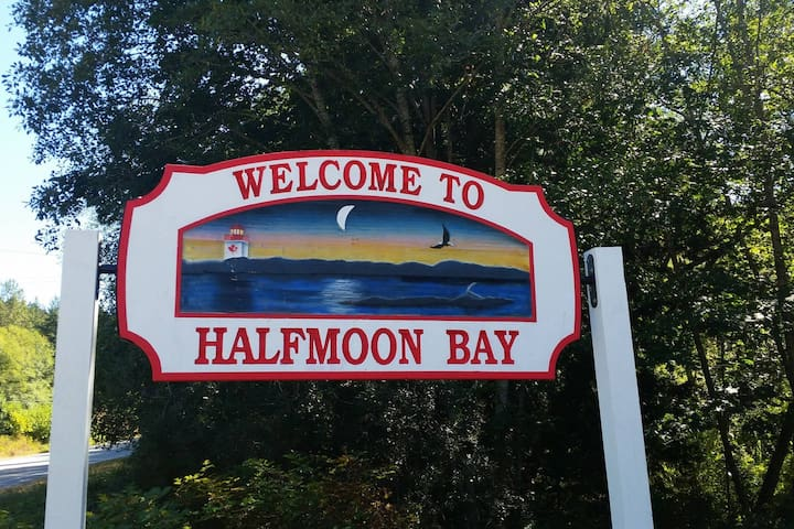 Guidebook for Halfmoon Bay