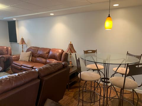 Cozy Coldstream basement suite
