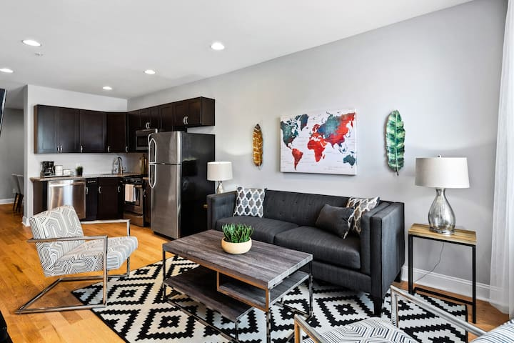 Large Apt. with a BACKYARD in Grad Hospital