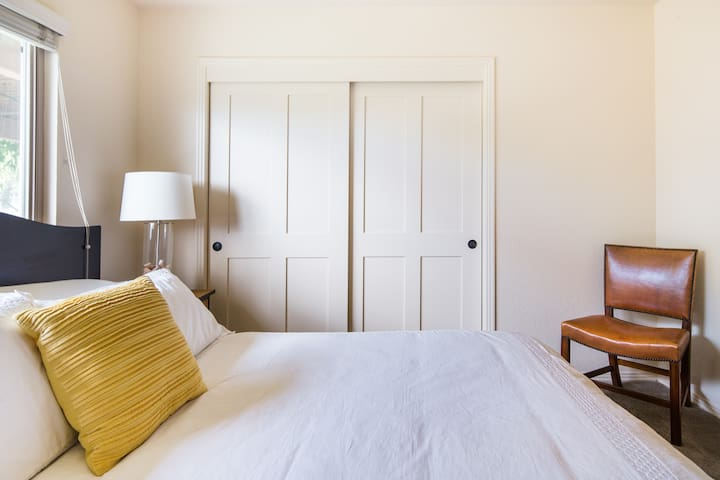 Third bedroom (second view)