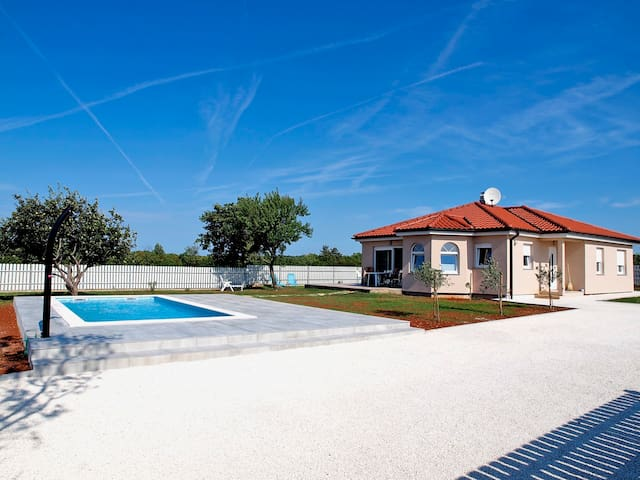 Villa Zora - Your peaceful getaway - Pula