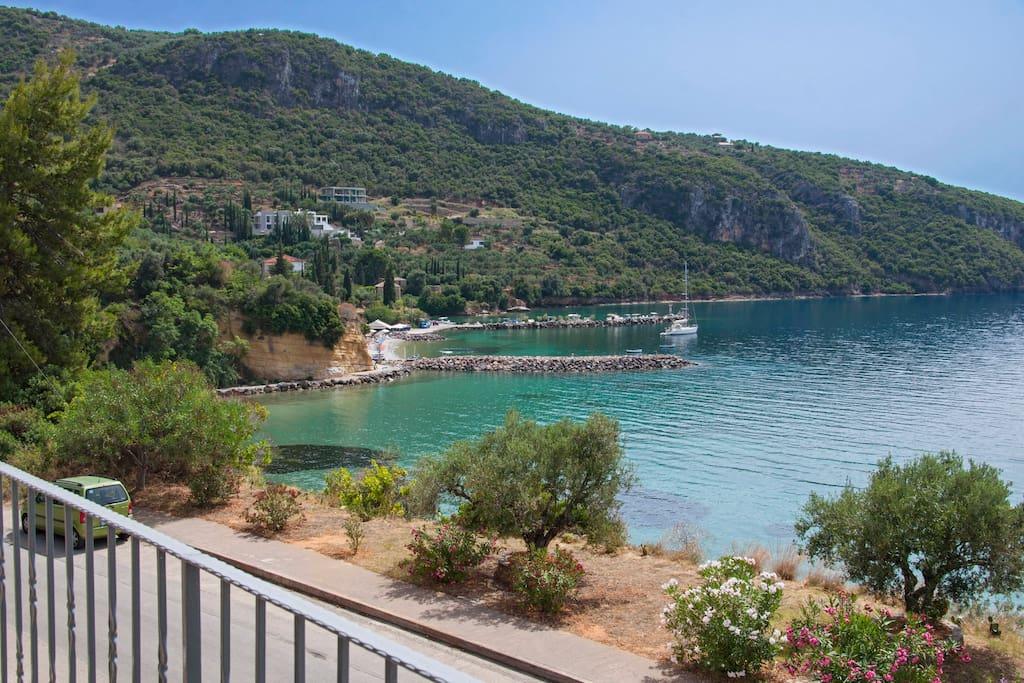 Paradise Cove Mani
