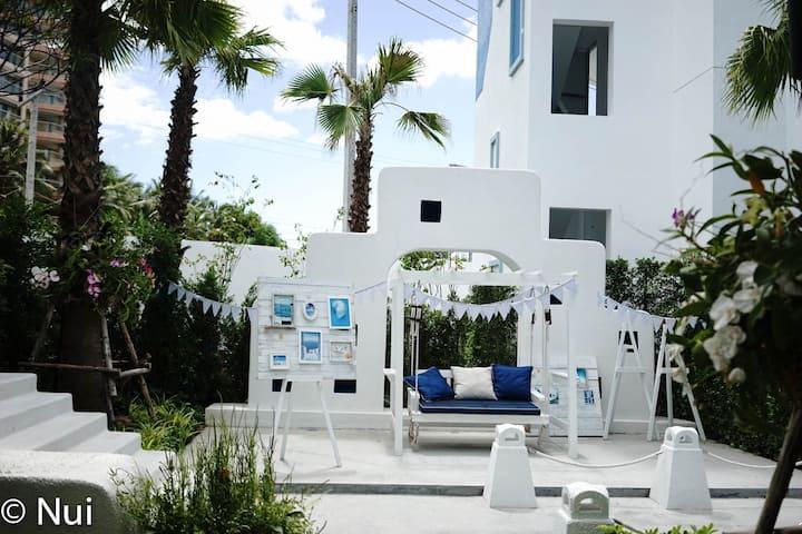 Luxury Santorini Design beach front