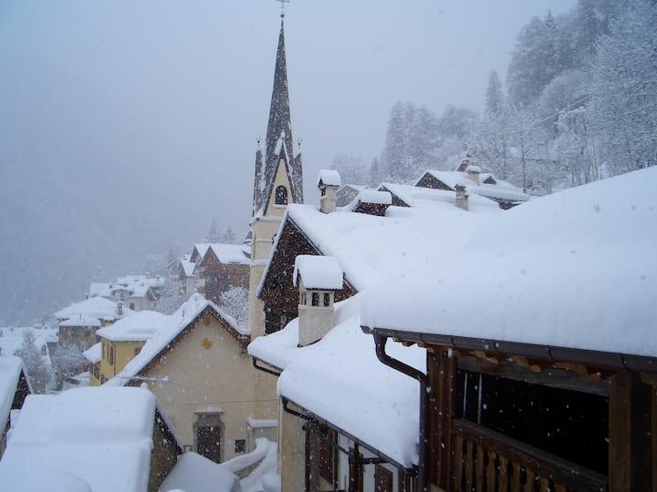 Cosy apartment in Dolomites Bortol