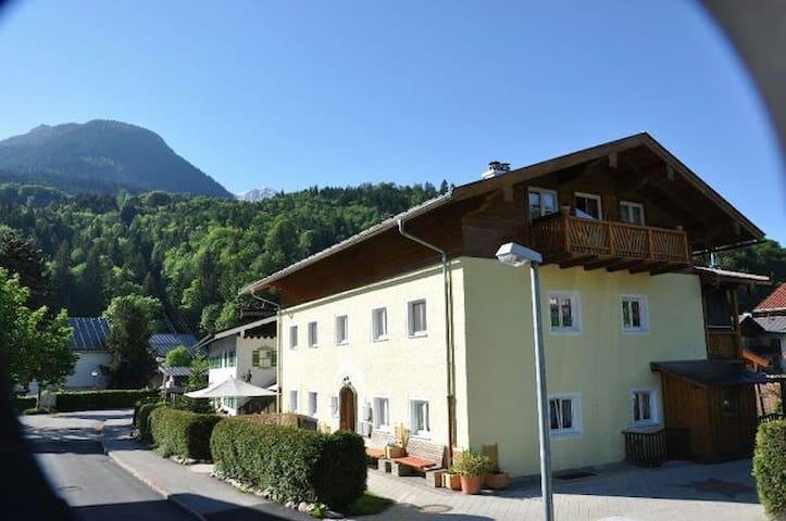 Doppelzimmer in ****Ferienwohnung - Berchtesgaden - Haus