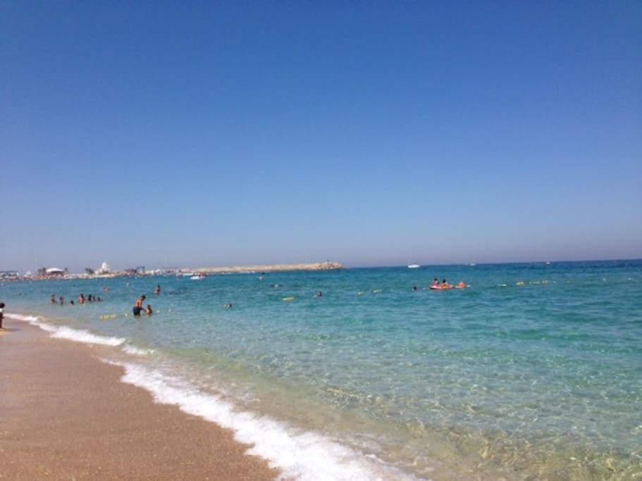 Gorgeous beach at walking distance