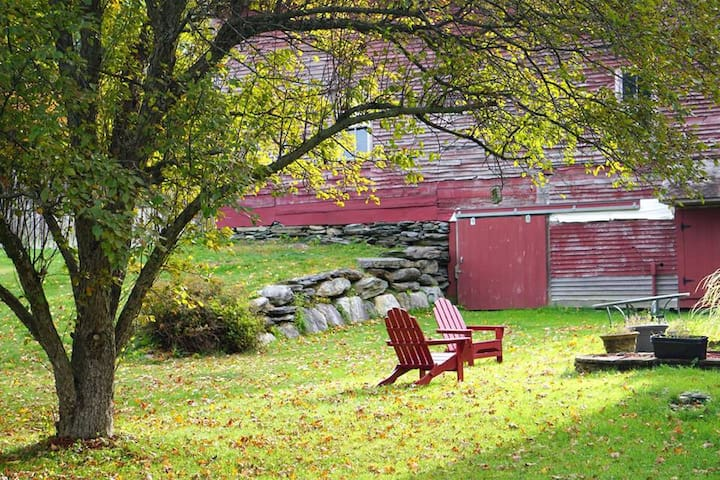Warm, Inviting Vermont Sanctuary near I89 - Middlesex - Dům