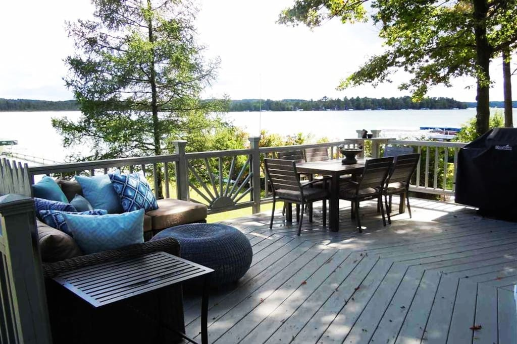 Upstairs Deck Overlooking Elk Lake