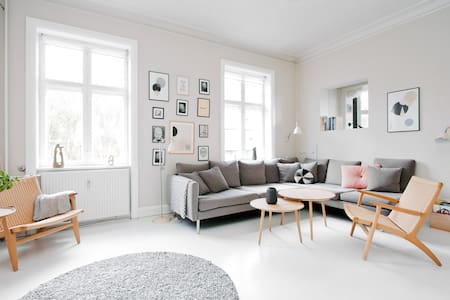 9 rooms villa apartment w/ terrace - Copenhagen