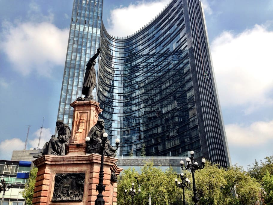 Best Building in PASEO DE LA REFORMA stay in this luxury av with all amenities include