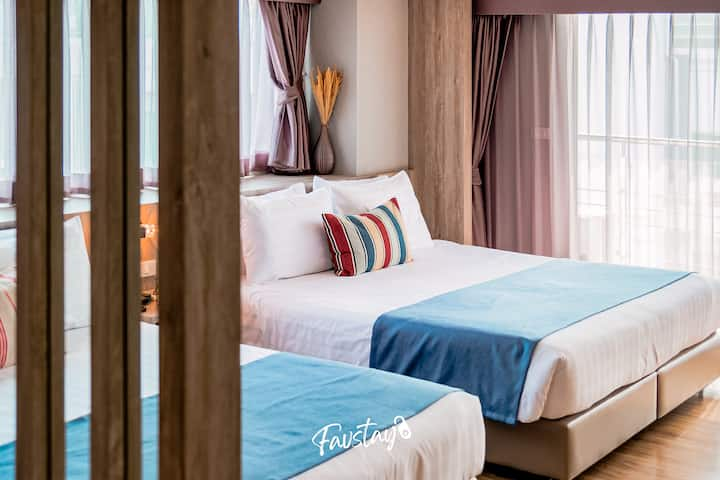 Sunset View Studio with 2 King Beds in Pattaya