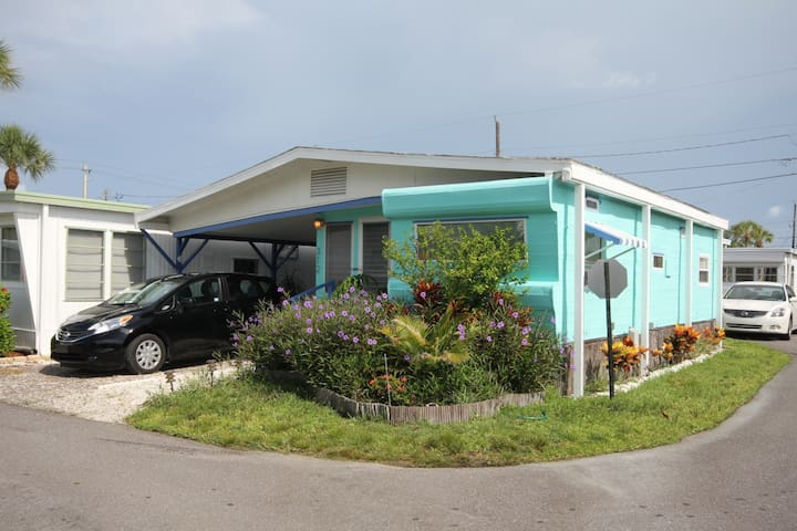 Vintage Beach Trailer (55+Age) - Bradenton Beach - Andere