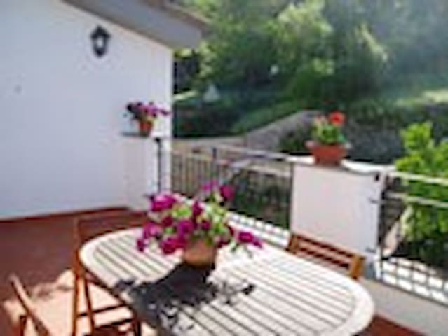 GREAT APARTMENT WITH FREE PARKING  - Bagno a Ripoli - Leilighet