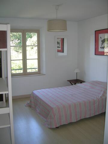 Quiet and Comfy Rooms next Avignon  - Caumont-sur-Durance - Bed & Breakfast