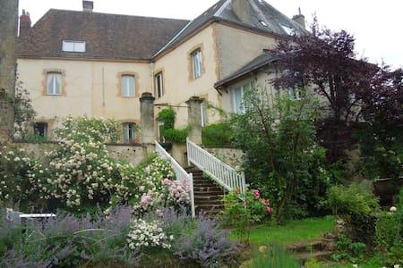 CH. D HOTES CARREFOUR DE L ORMEAU - Mondoubleau - 住宿加早餐