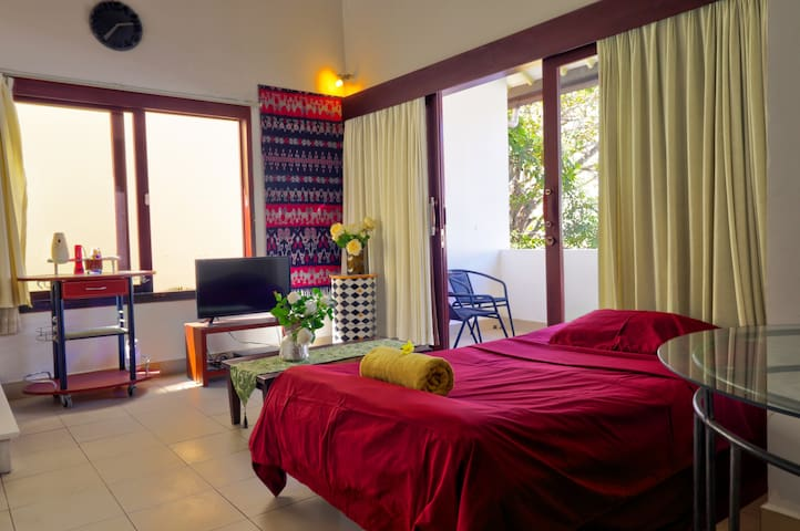 Sanur Private room ABC 7 with balcony & kitchen