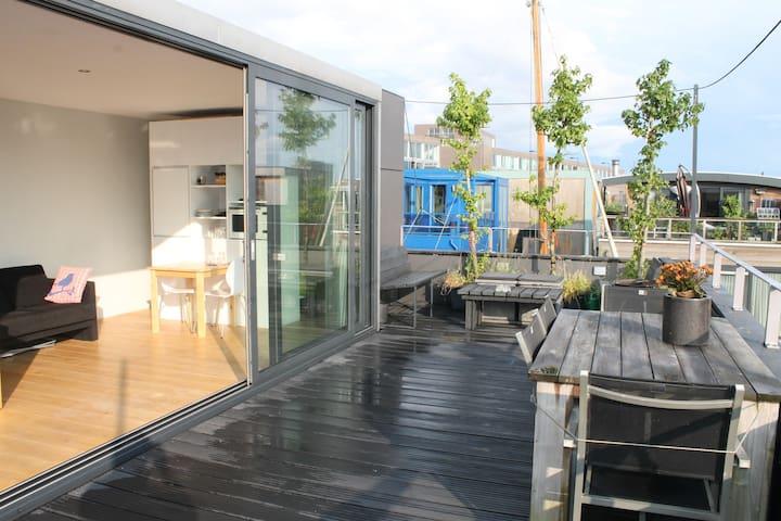 Outdoor/Indoor Living Space