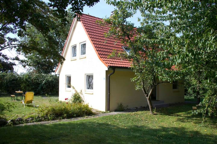 House with sea view and nice garden - Fehmarn - Huis