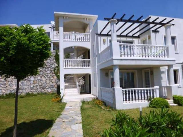 1st Floor Family Apartment Bodrum - Bodrum - Huoneisto