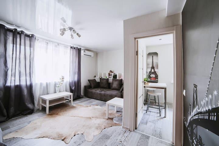 Center of Minsk- IRALINA  apartment