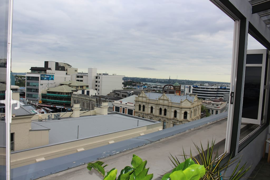 View over Auckland City and Waitemata Harbour Right in the heart of K Road.