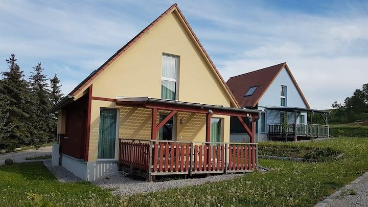 "Ferienhaus Leonrod ""gelb"""